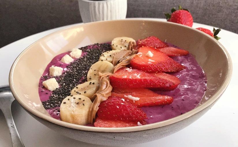 Smoothie bowl aux fruitsrouges